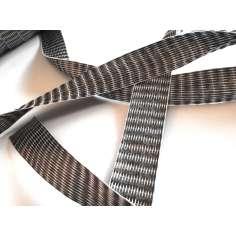 Amostra comercial de fita plana de fibra de carbono 3k unidirecional de 25 mm.
