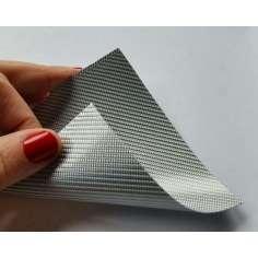 Lâmina flexível de fibra de vidro de amostra comercial 1K Sarja 2x2 (cor prata) - 50x50 mm.