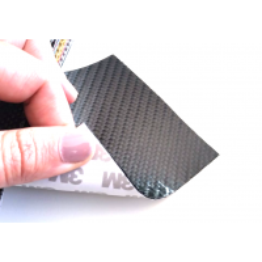 Lâmina flexível de fibra de carbono de amostra comercial 3 K Sarga (cor preta) com adesivo 3M - 50x50 mm.