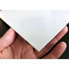 Muestra comercial plancha de fibra de vidrio una cara - 50 x 50 mm.